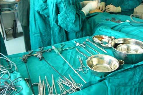 子宫肌瘤切除微创手术全过程(图)